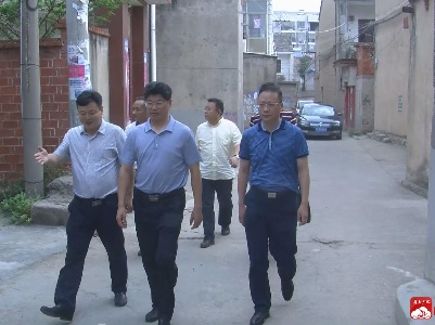 田涛走访慰问困难党员及群众