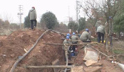 广水市供电公司全力抢修故障线路