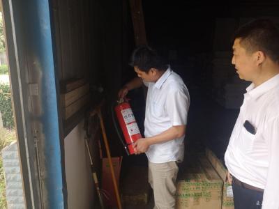 广水市科经局检查电商企业仓库消防安全