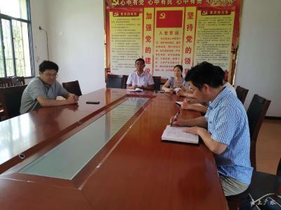 黄继军走访慰问老党员 优秀党员和生活困难党员