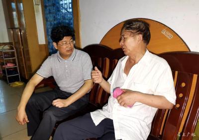 广水市长田涛走访慰问困难老党员和优秀党员