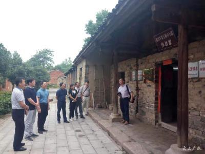 湖北广播电台青年记者进老区采访组走进广水市吴店镇