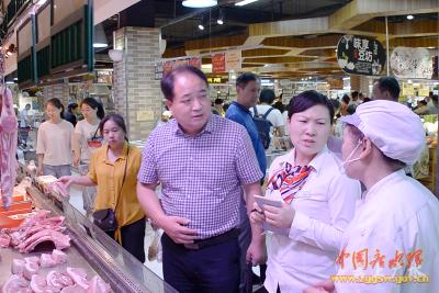 """广水:储备热鲜猪肉投放市场 确保国庆期间市民吃上""""放心肉"""""""