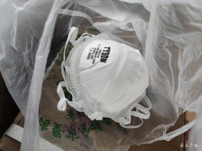 新闻特写:浙江学生寄往广水的特殊捐赠包裹