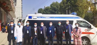 十里衛生院向十里教育捐贈校園防疫消殺物資