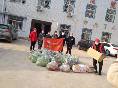 广水市学雷锋志愿服务队队员战斗一线