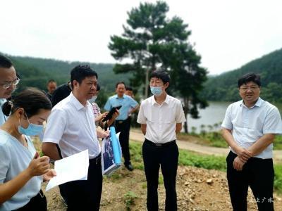 國家自然資源督察武漢局局長張先余到我市檢查土地恢復工作