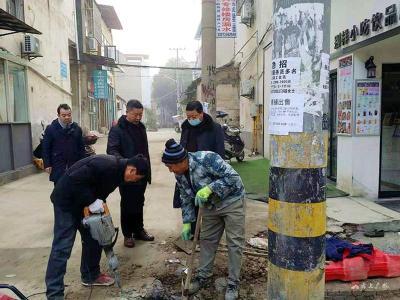 黨員沉下去  環境優上來------市審計局黨員干部下沉勝利街社區辦實事
