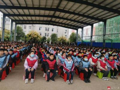 永陽學校開展素質拓展活動