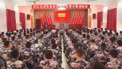 """廣水交警送交規進部隊,300余名軍車駕駛員享受""""安全大餐"""""""