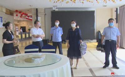 王桂蘭督查2021年中考準備工作