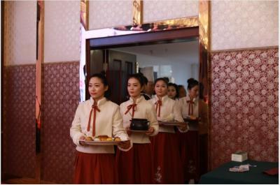 新时代文明实践在随县——菇博会台前幕后,处处活跃着随县志愿者的身影