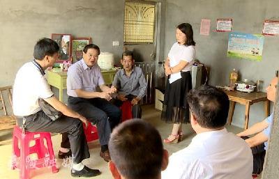 刘学甫调研督导分乡镇精准扶贫工作