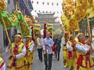 三峡日报:跷上舞狮 技传百年