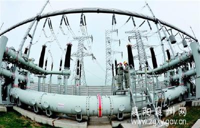 图文:蒙华铁路加紧供电调试