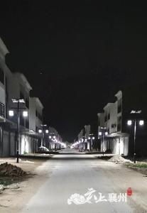 张家集镇:让商业街亮起来又一件惠民工程暖人心