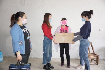 襄阳黄龙:为社会散养孤儿送健康防疫大礼包
