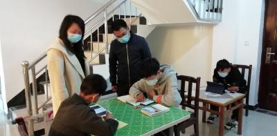 黄龙文化站:为网课学生排忧解难