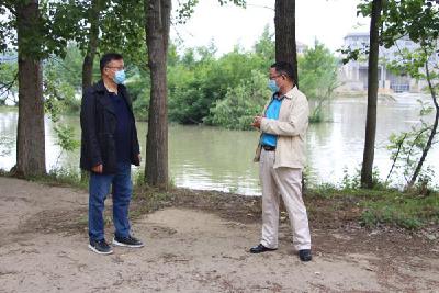 区教育局副局长陈华员指导伙牌教育系统防溺水工作