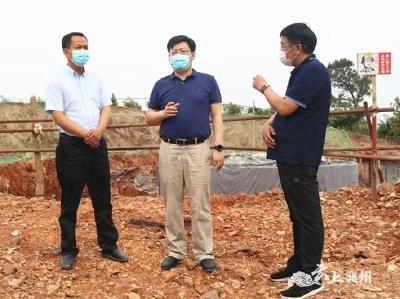 """刘明锋到峪山、黄龙两镇调研""""三农""""工作"""