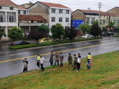 黄州:致敬风雨无阻的巡堤人