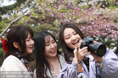 功能强大的美颜相机是如何使人像变美的?