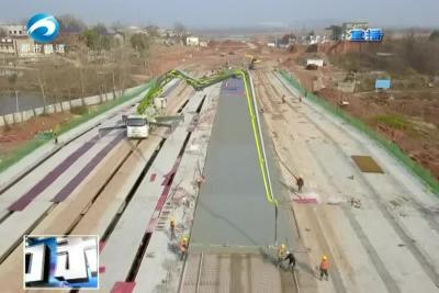 园博大道西延工程滨湖大桥提前贯通