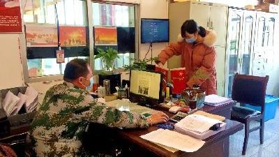 """汪仁镇:党员""""双报到""""  战""""疫""""当先锋"""