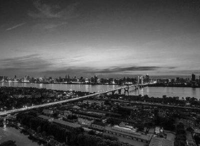 4月4日10:00—10:03武汉全城红灯,追悼烈士和逝世同胞