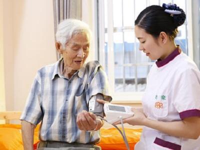 养老市场规模近10万亿元   年内新增4.3万家企业