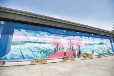 武汉百余平方米壁画再现抗疫医患情