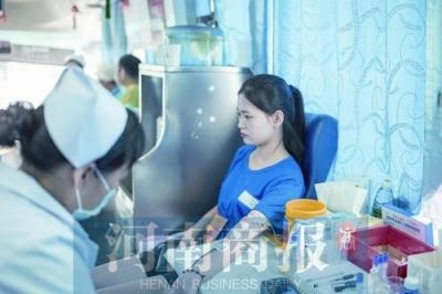 郑州男子坚持献血17年 为保证血液质量几乎不吃肉