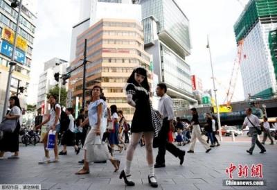 赴日游客突破2000万 中国游客支出超总消费额四成