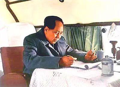 那些年,我们背诵过的毛泽东诗词