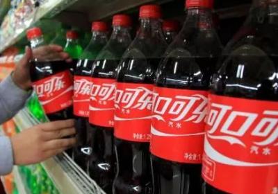 两大可乐巨头业绩断崖式下跌,碳酸饮料不行了?