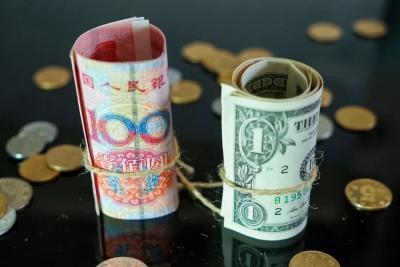人民币汇率再创新高 兑换1万美元少花6000 跟你关系有多大?