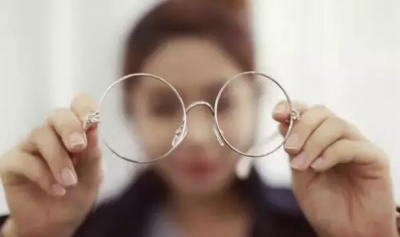 """有一种绝望叫""""我的眼镜呢?"""""""
