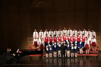 中奥童声合唱团联袂演出,唱响黄梅戏大剧院