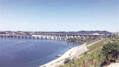 湖北最美高铁明年底通车 是省内重要黄金旅游观光线路