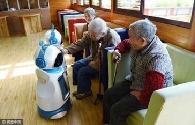 会提醒吃药、关门窗、关煤气养老陪护机器人5年内将在汉面世