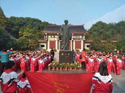 手持彩练当空舞——湖北浠水县努力创建国家公共文化服务体系示范区