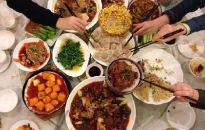 春节剩菜剩饭太多?倒掉太浪费,这样处理才最科学!