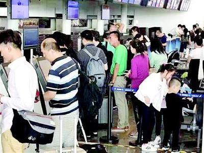 天河机场出港航班陆续恢复正常