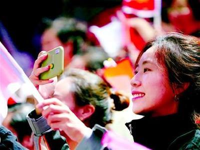 5万人在开幕式现场齐唱国歌 自豪见证大武汉高光时刻