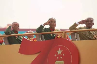 当他们举手向共和国敬礼时,无数人的眼眶湿润了……