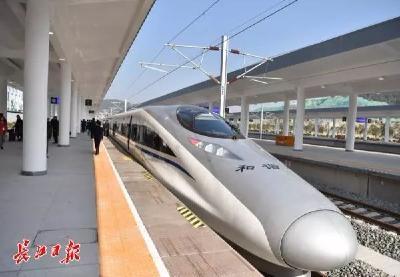 """在武汉搭""""飞的""""多方便?高铁地铁⇋机场无缝换乘,还将规划天河北高铁站"""