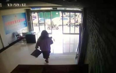 洛阳20岁女孩遇害,男同事承认出租屋行凶……