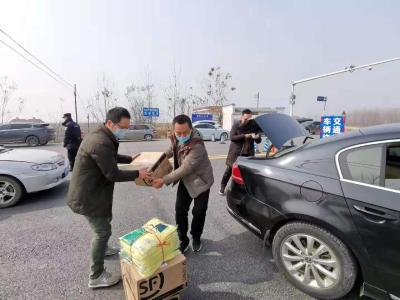 【抗击新型冠状病毒】 市政协委员陈浩:自掏腰包多方求援的志愿者