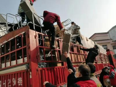 团风: 百余名志愿者汇聚医院 义务投工投劳合力抗击疫情