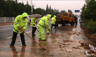 市区交通运输部门全力抢修106国道水毁路段